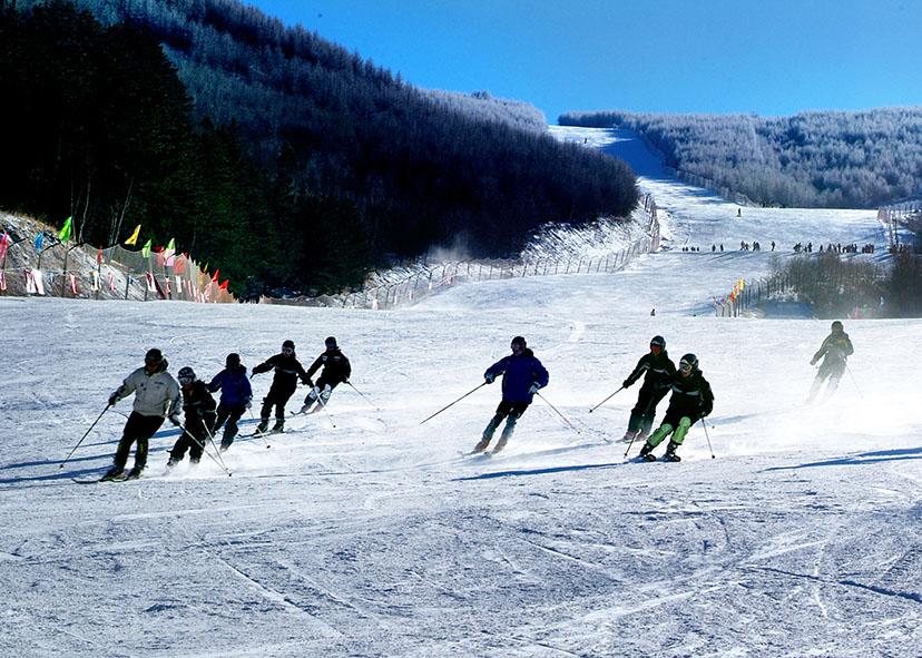 西湾子镇长城岭滑雪场